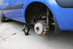 Замена тормозных колодок Kia Rio