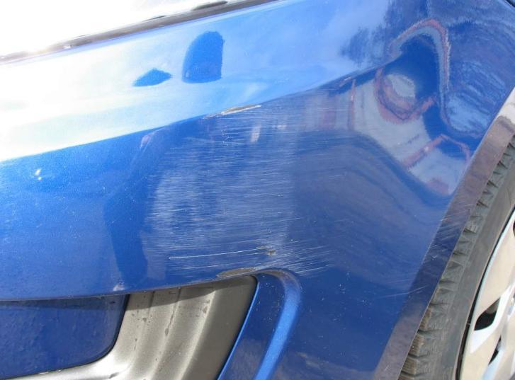 Как подкрасить царапины на автомобиле