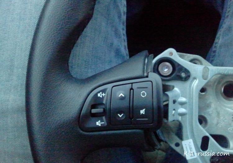 как поставить кнопки на руль киа рио 2013 видео