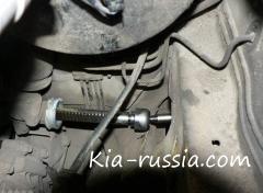 Замена левой рулевой тяги на Kia Rio 2