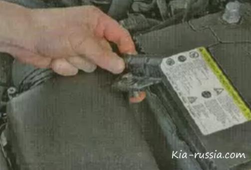 как заменить аккумулятор на киа пиканто
