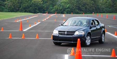 Автоинструктор – это обучение безаварийному вождению